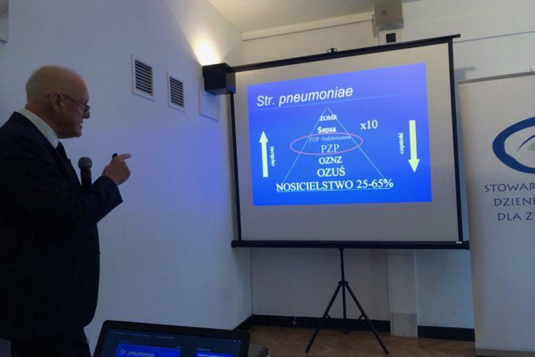 Radzikowski: bezpłatne szczepienia przeciwko pneumokokom to duży krok naprzód