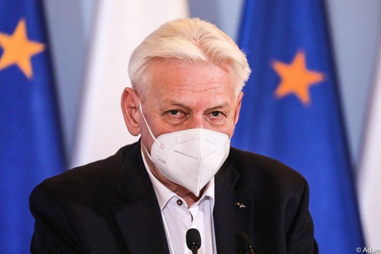 Rząd chciał, by Polacy zakażali się latem?